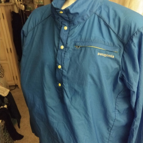 Patagonia Other - Men's size Large Patagonia pull over